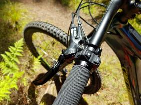 Handlebar is really tidy and the controls are easy to operate