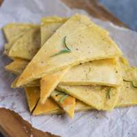 Easy skillet farinata (Italian chickpea pancake)