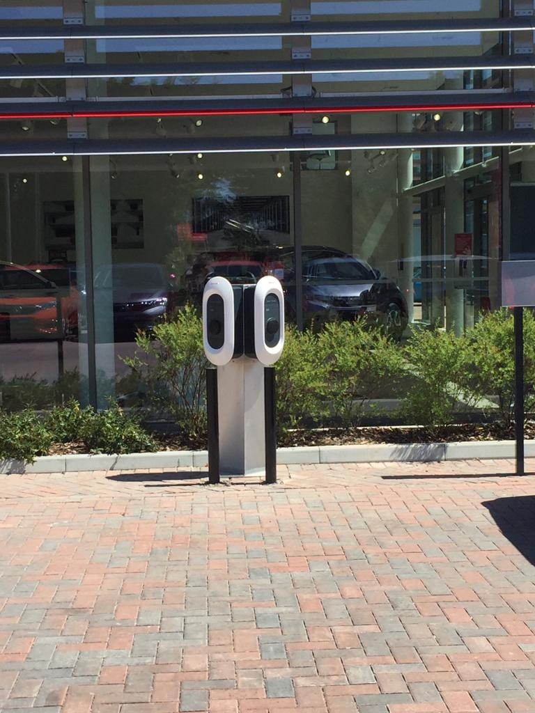 Electric Car Chargers UK, ECC UK, Installing chargers for car dealerships and leasing companies.  Clients include Honda, Renault, Kia, Nissan, Mitsubishi and Hyundai