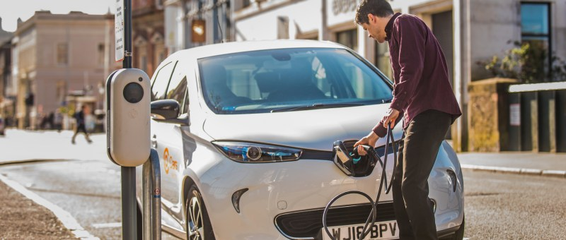 Co-Cars in partnership with Electric Car Chargers to service and maintain their charging equipment
