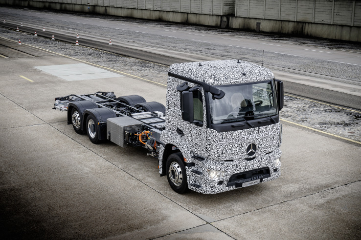 Mercedes-Benz shows off the first fully electric heavy urban transport truck | TechCrunch