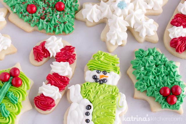 bake christmas cookies at home