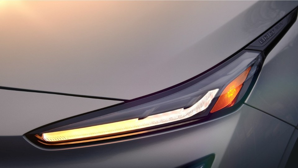 2022 Chevrolet Bolt headlights