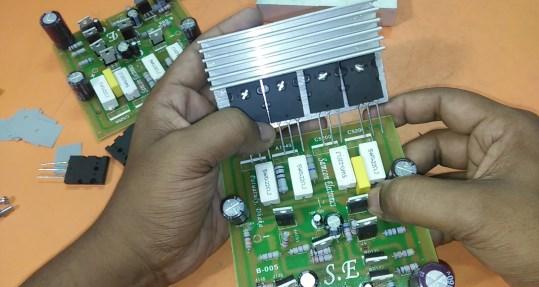 circuit diagram of 2sa1943 and 2sc5200