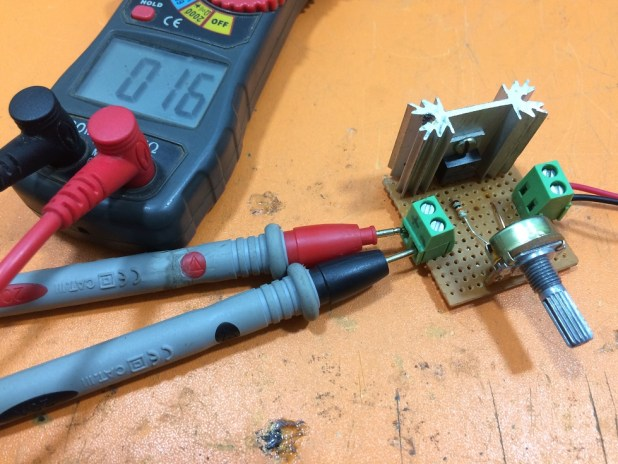 Voltage controller circuit with ampere using IRF540N electronics