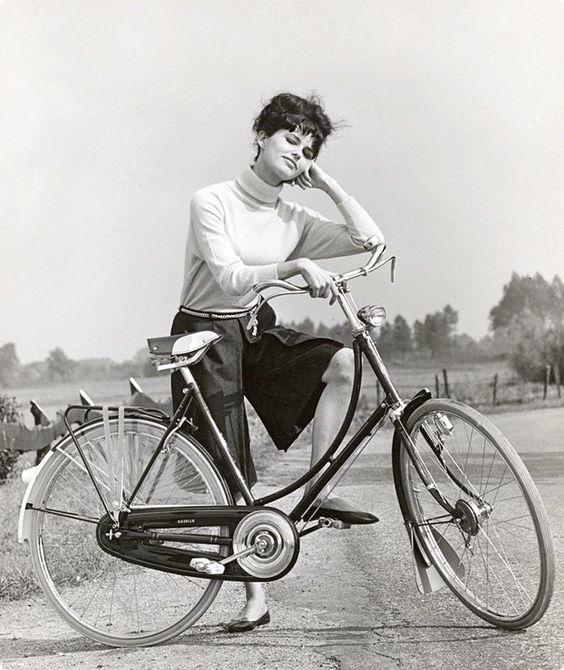 девушка & велосипед