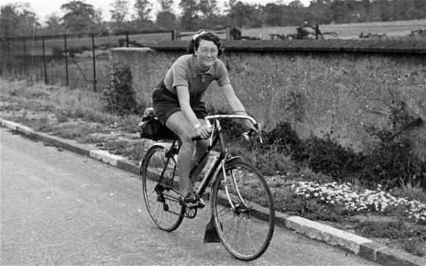 Билли Флеминг в 1938 году, когда она проехала 29 603 мили за 365 дней