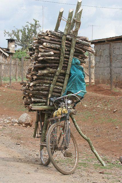 перевозка дров на велосипеде Вьетнам