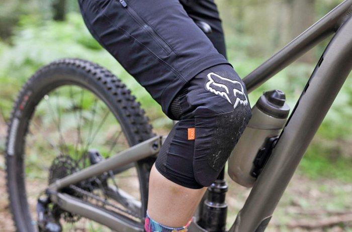 Наколенники для велоспорта Fox ENDURO D3O KNEE GUARD