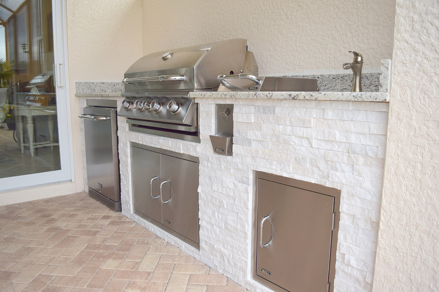 Custom Outdoor Kitchen Construction of Fort Myers Florida ...