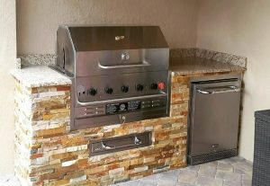 Plantation Custom BBQ Island Design - Pulte Homes