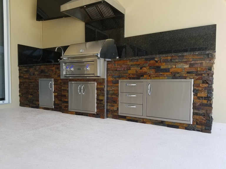 Barbecue Island & Outdoor Kitchen Builder of Fort Myers, Florida