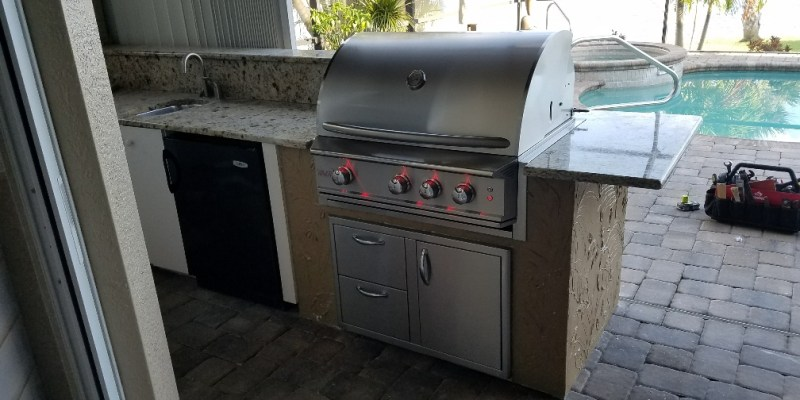 Beautiful Custom Outdoor Kitchen Extension