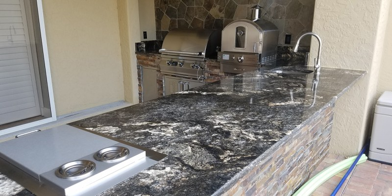 Close-up of Saturnia Granite & California Gold Stacked Stone