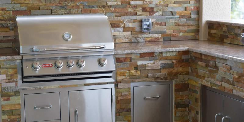 The L Shaped Custom Barbecue Island Elegant Outdoor Kitchens