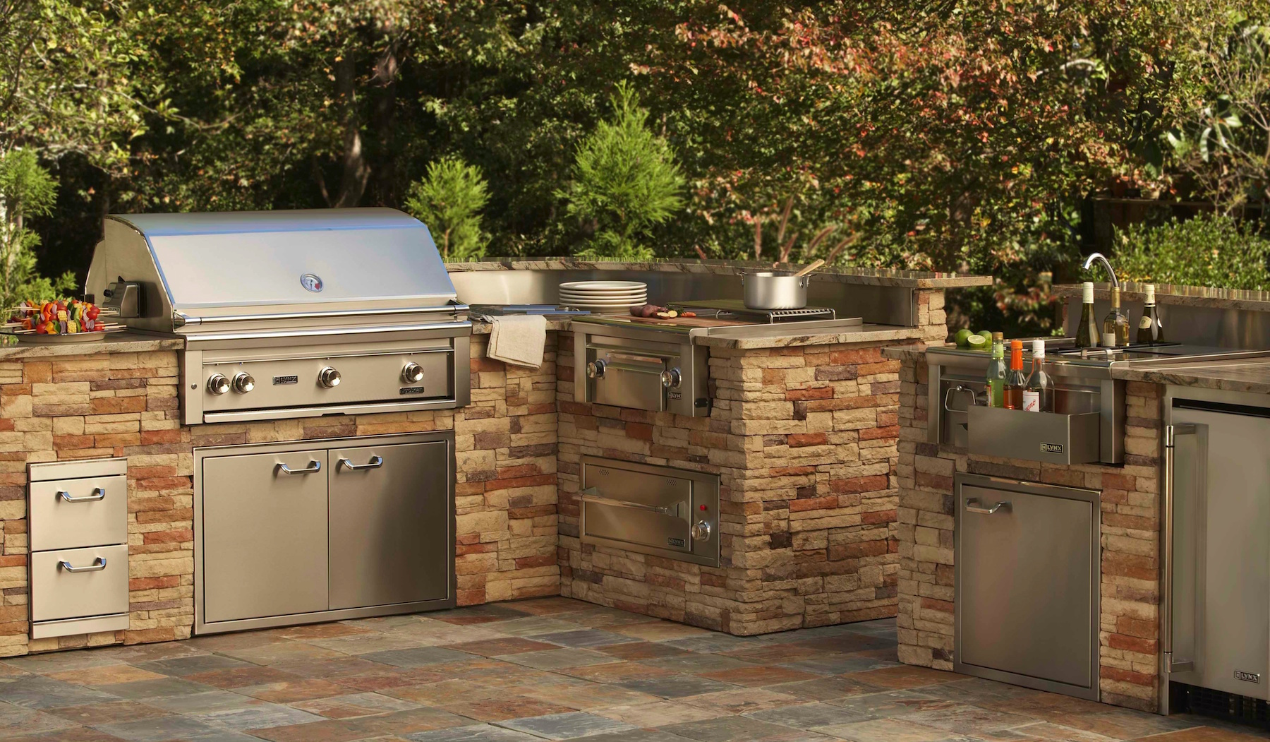 Lynx Professional Built In Barbecue Grills   Outdoor Kitchens Of Southwest  Florida Part 62