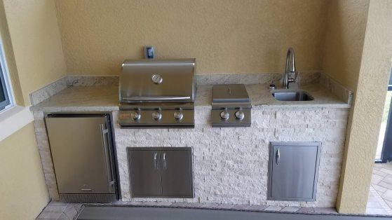 Custom Outdoor Kitchen with Blaze 3-burner 25 Barbecue Grill - Elegant Outdoor Kitchens