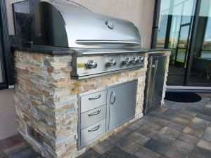 outdoor kitchen, outdoor kitchens, elegant, outdoor living, outdoor living area, custom outdoor living, florida, naples, estero, fort myers, ft myers, grills, grilling, food, cookouts, floridian life, barbecue islands, barbecue island, bbq island, bbq islands