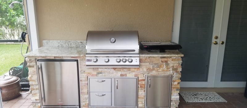 "7'10"" barbecue island in Iona, Florida"