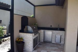 Summer kitchen in small lanai space