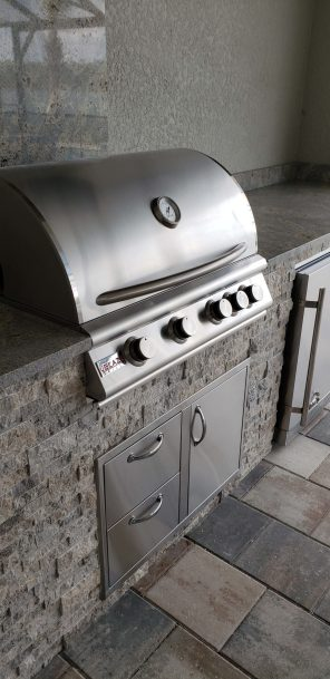 Blaze Traditional Series 32 Inch 4-Burner Barbecue Grill