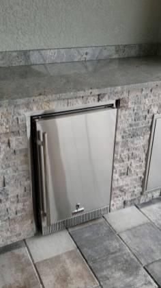 4.1 CU Outdoor Refrigerator