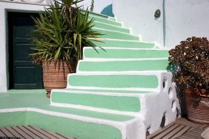 Pained stairs - What paint to use on outdoor steps
