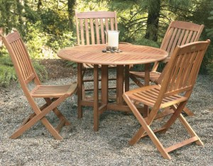 eucalyptus outdoor dining sets for comparing eucalyptus vs teak for outdoor furniture