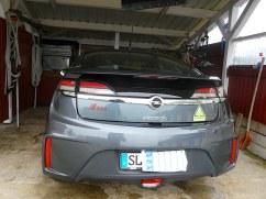 Wer den Opel Ampera mit Elektroauto-Stickern sehen möchte, der muss an den Ufern der Ostsee die Augen offen halten. ;-)