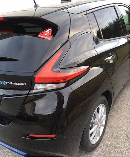 Der erste Nissan Leaf 2.Zero Edition mit dem Emission impossible-Sticker. Macht sich doch farblich gut, oder?