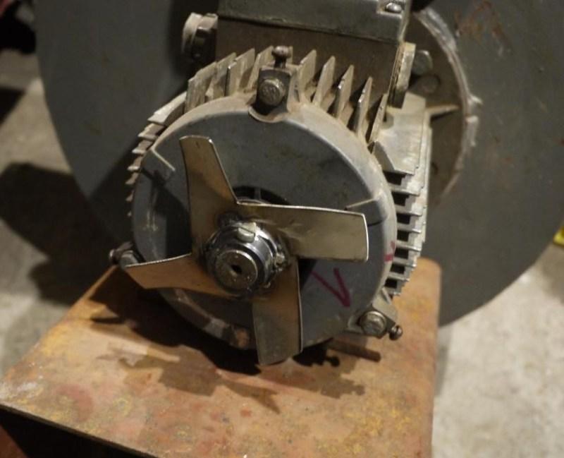 Почему греется электродвигатель