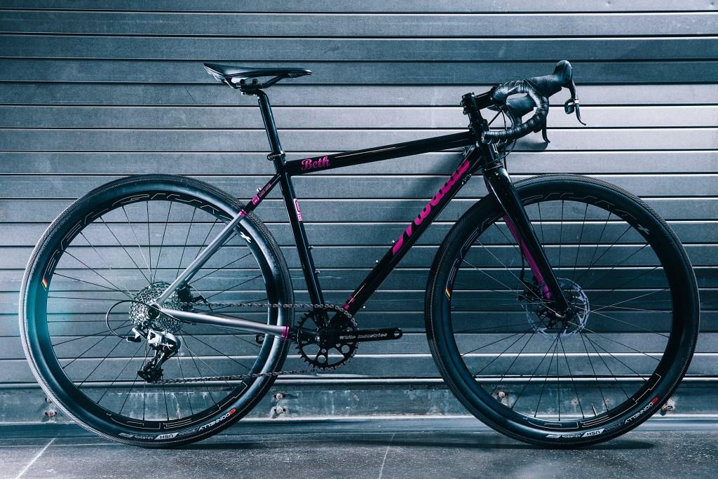 NAHBS Mosaic RT-2 650b titanium custom bikes  Billy's special