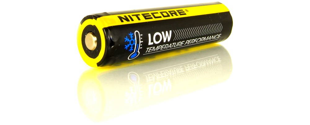 Nitecore NL1829LTP szemből