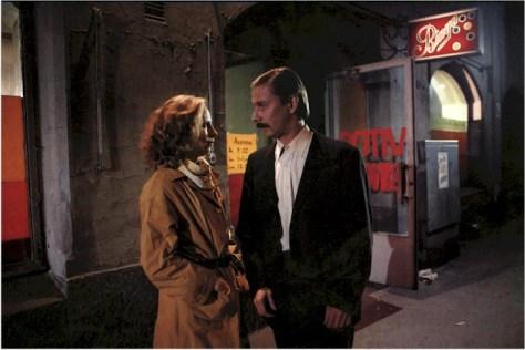 Sombras en el paraíso (1986)
