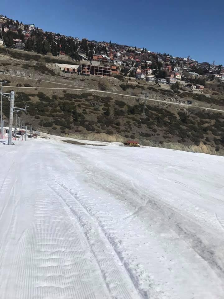 Të nderuar ,ju ftojmë në fundjavën e fundit me skijim për sezonin dimëror 2018/2019.