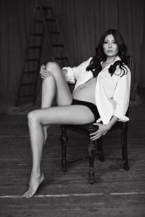 Черно-белая фотосессия беременности