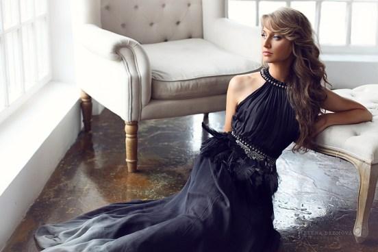 Фото в студии с красивым платьем
