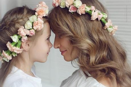 Семейная фотосессия мамы и дочки
