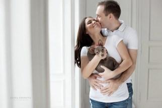 Фотосессия беременной с домашними животными