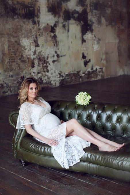Фотосессия беременной в интерьере