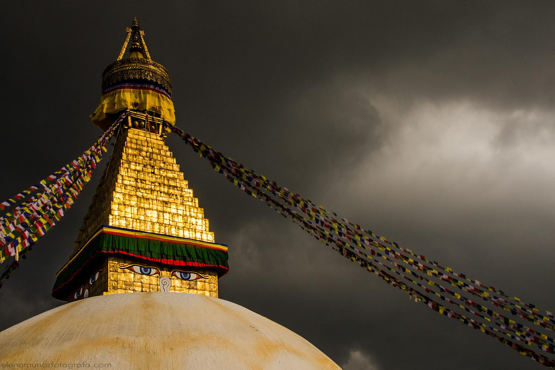 EstupaBoudhanath en Nepal