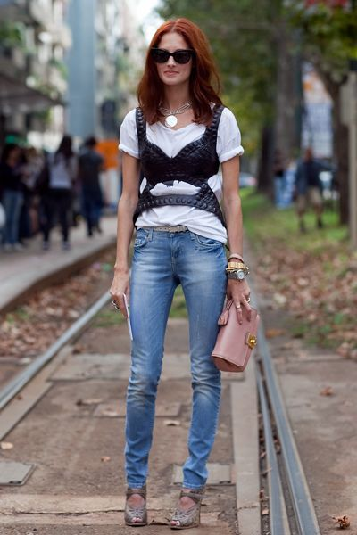 taylor tomasi hill tricou jeans