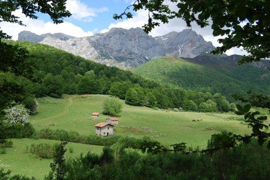 Vegabaño - Soto de Sajambre - Picos de Europa