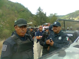 policia-detiene-caravana_10