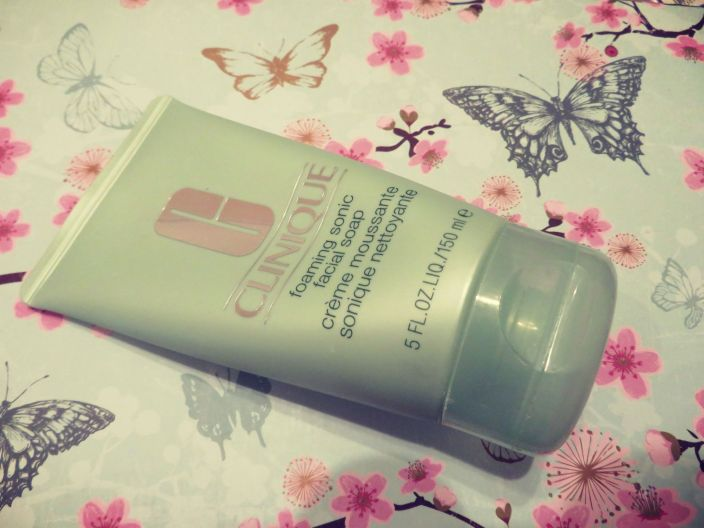 CliniqueFoaming Sonic Facial Soap