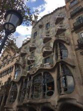 mini-guida-per-un-turista-a-barcellona-eleonora-milano-fashion-blogger-travel-blog-valmont-trattamento-casa-batlò-gaudi