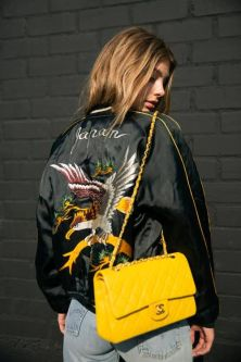 sac @CHANEL jaune & bomber - mode-and-deco.com