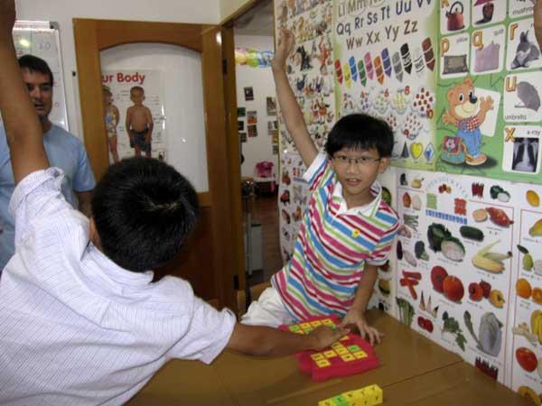 國小教具 兒童美語 英語教學 教室 教師