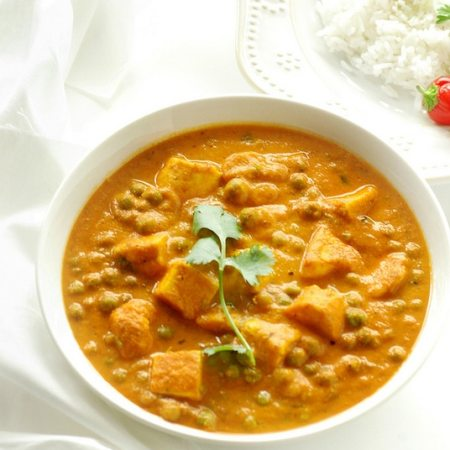 Peas and Cottage Cheese Curry, Mattar paneer, vegetable curry recipes