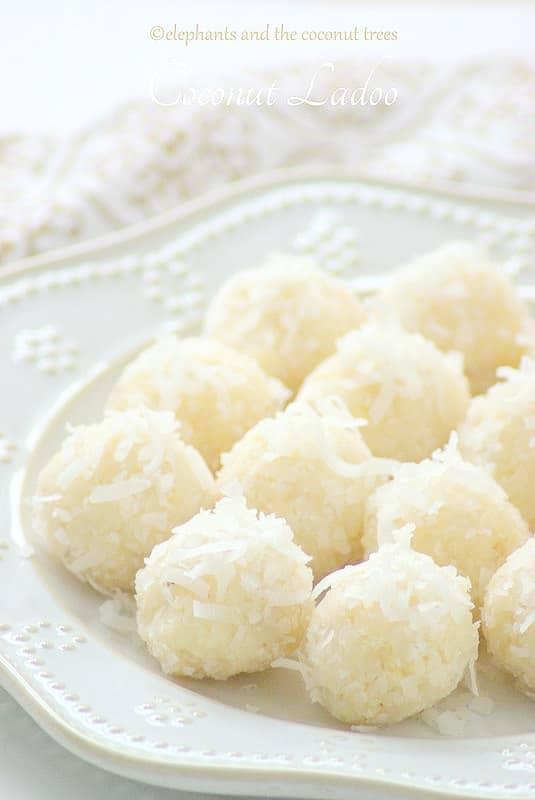 coconut ladoo - 15 minutes ladoo / thengai ladoo